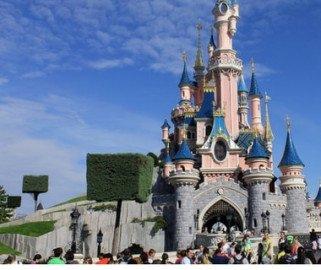 25ème anniversaire Disneyland Paris : jusqu'à 35% de réduction + bon d'achat de 100€